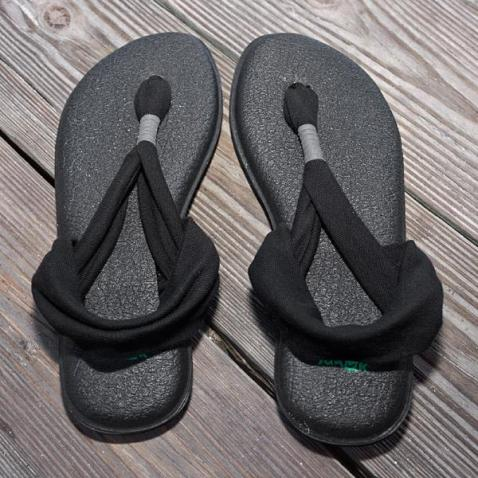 50032325095D-black-sanuk_yoga_sling_2_womens_sandal